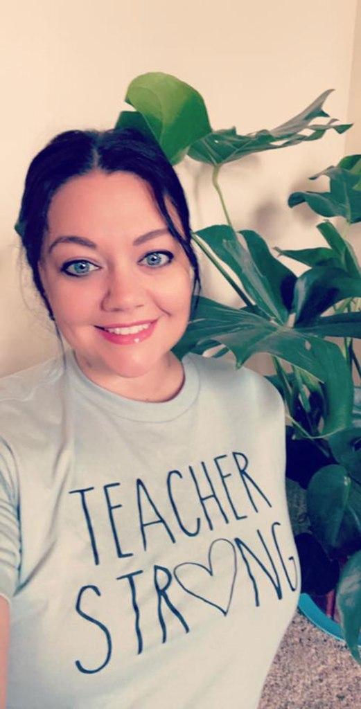 Shellea is lead teacher in the Fox room (3-year-old classroom).