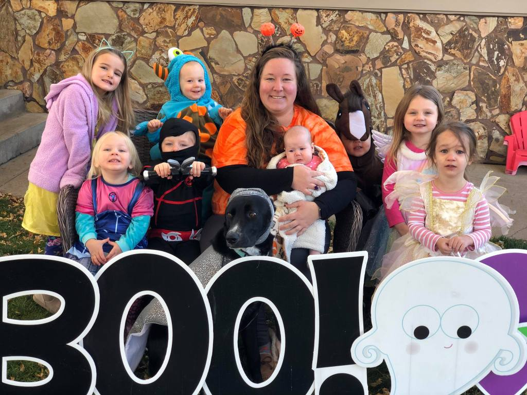 Here's Rachel and her crew of thriving kiddos!